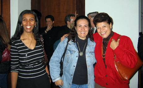 Nilza, Liliane e Maria José - Pateo do Collegio